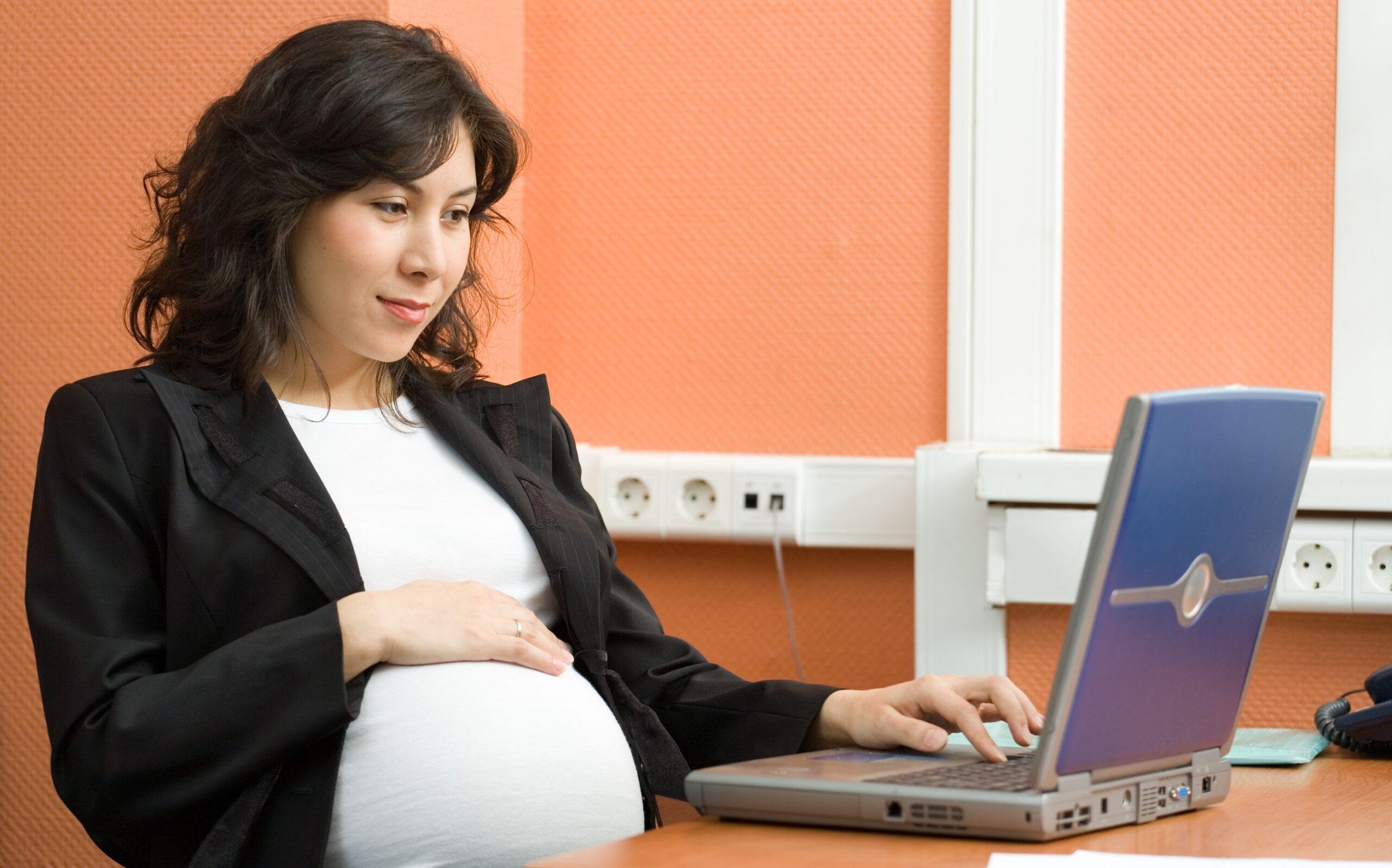 Bà bầu viết blog kiếm tiền